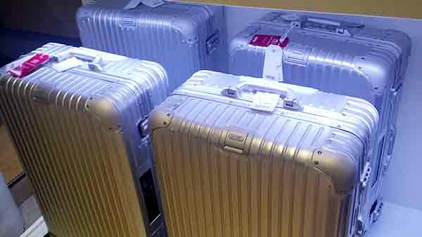 gute rimowa koffer g nstig kaufen alukoffer auf rollen hartschalenkoffer im angebot im. Black Bedroom Furniture Sets. Home Design Ideas