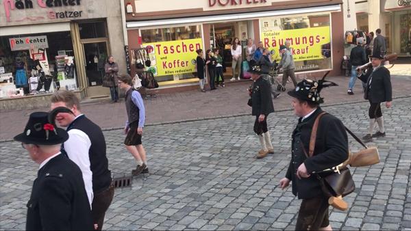 Bilder vom Frühjahrsdult 2018 Umzug Landshut Böllerschützengruppe Mirskofen Fotos Haack