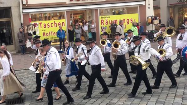 Frühjahrsdult Umzug Landshut 2018 Dult Bilder Siebenbürger Blaskapelle Fotos Haack