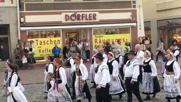 Frühjahrsdult Umzug Landshut 2018 Dult Bilder Siebenbürger Tanzgruppe Fotos Haack
