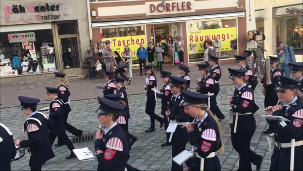 Frühjahrsdult Umzug Landshut 2018 Bilder Spielmannszug der Freiwilligen Feuerwehr Landshut Fotos Haack