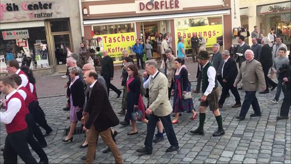 Frühjahrsdult 2018 Umzug Landshut Stadtrat Landshut mit Herrn Oberbürgermeister Alexander Putz und den Bürgermeistern Fotos Haack