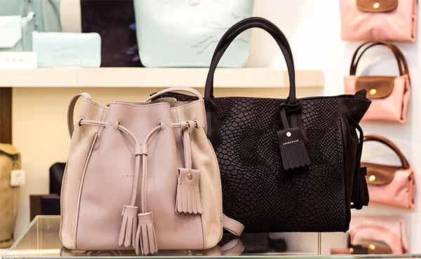 Marken Handtaschen günstig kaufen – günstige Designertaschen – Taschen Sale im Räumungsverkauf wegen Umbau in Landshut bei Leder Dörfler - Altstadt 33