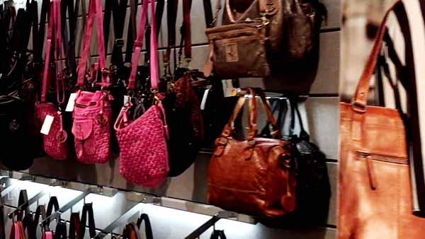 Stylische-hochwertige Handtaschen günstig kaufen bei Leder Holert in Oldenburg