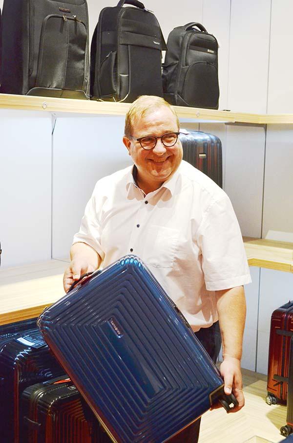Handtaschen Koffer Businesstaschen günstig kaufen - Großer Räumungsverkauf wegen Filialschließung bei Offermann im Rhein Center Köln Weiden und im Einkaufszentrum Hürth Park