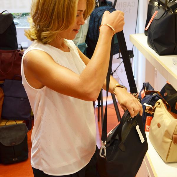 Alle Handtaschen reduziert - Offermann schließt Filialen in Hürth Park und im Rheincenter Köln Weiden