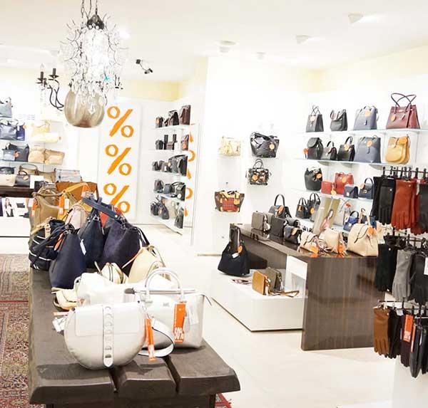 Raeumungsverkauf Marken Handtaschen - Taschen Sale bei Offermann in Aachen Adalbertstr 35 - Markt 54