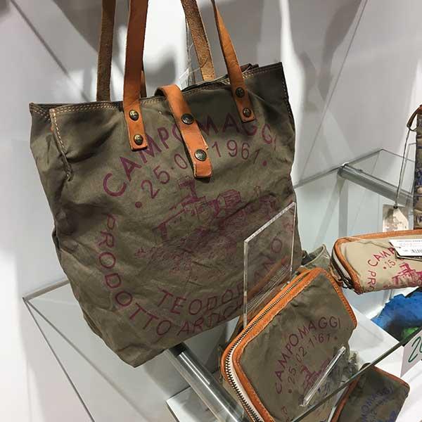 Marken Handtaschen guenstig kaufen - Jetzt Taschen Sale bei Lederwaren Fellmer in Lippstadt Lange Strasse Am Bernhardbunnen und bei Dellwig in Hamm Weststr 47 Campomaggi