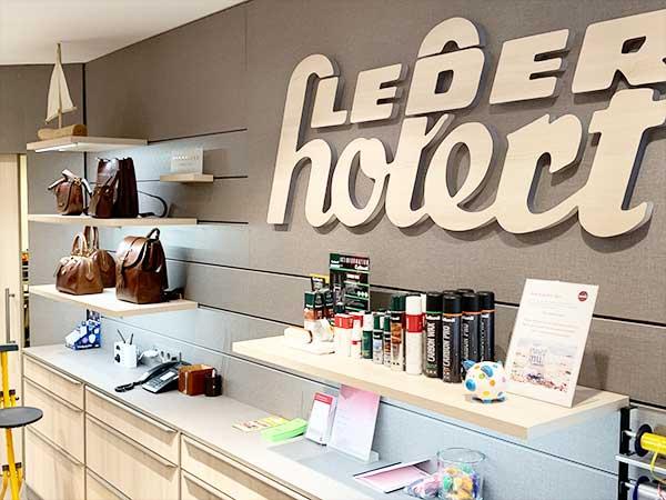 Marken Handtaschen reduziert - Koffer günstig kaufen beim Happy Sale bei Leder Holert in Oldenburg Mai 2019
